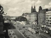 Pohled ze střechy budovy Hlavního nádraží v 60. letech.
