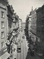 Průhled ulicí Masarykovou k náměstí Svobody ve 30. letech.